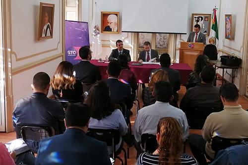 Firman acuerdo para favorecer trato humanitario a migrantes