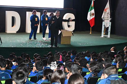 Participan más de 800 estudiantes en Jornada para Erradicar la Violencia Escolar